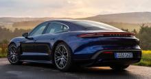 Porsche Taycan är årets prestandabil och årets lyxbil.