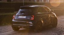 Nya Fiat 500 nu som eldriven halvkombi – så mycket kostar den