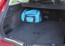 Utrymmet för bagage i kombin är stort, 18 läskbackar får plats.