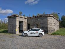 Renault Clio besökte en radiobunker utanför Boden.