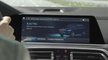 BMW lanserar smart laddare och poängsystem för laddhybrider