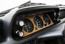 Mekanik och motor håller dig pigg men det hjälper att inte vara alltför bredaxlad för att få plats.