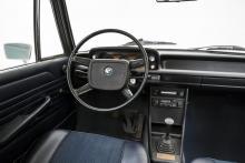 Med 02-serien inleddes den långa raden av distinkta, enkla, ytterst funktionella och snygga förarmiljöer hos BMW.