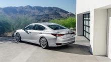 """Lexus ES uppdateras och överger """"datormusen"""""""