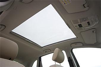 Panoramaglastak (ej öppningsbart) kostar 6 500 kr till B-klass.
