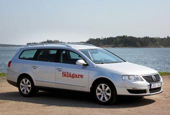 Volkswagen Passat av senaste generationen är en populär familjebil.