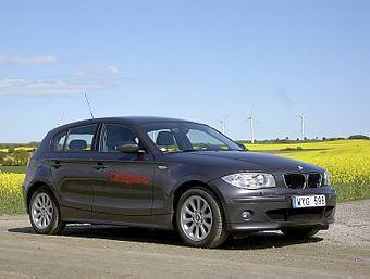 1-serien är BMW:s utmanare i Golfklassen. En körglad, men dyr och trång bil.