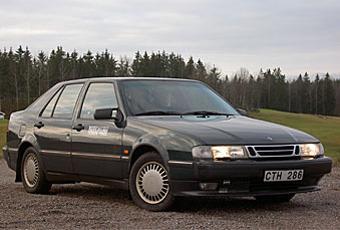 Saab 9000 är en bra långresevagn, rymlig och bekväm. Men det blir allt svårare att hitta fina exemplar.