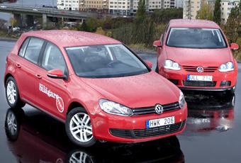 Volkswagen Golf generation 6(i förgrunden) och föregångaren 5 i bakgrunden.