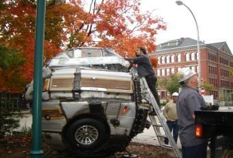 Bildspel: Jeep skulpterad till boll