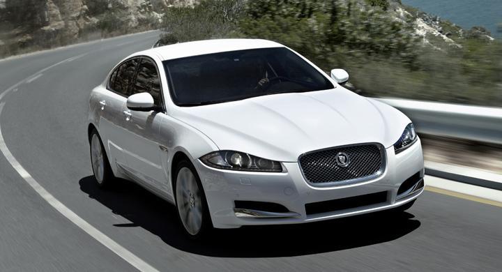 Jaguar XF 2012.
