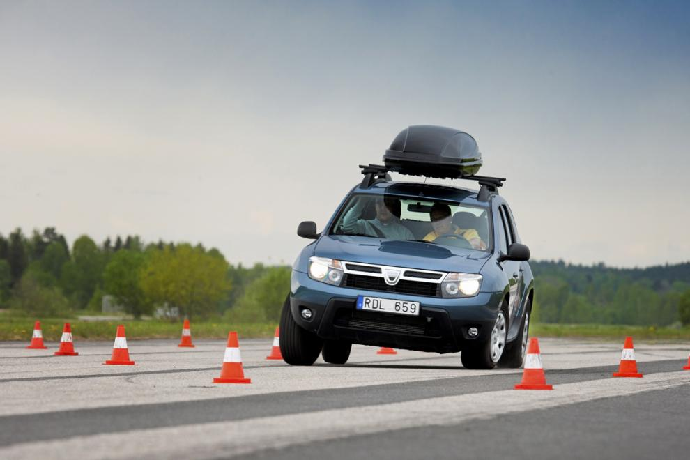 Dacia Duster i älgtest.