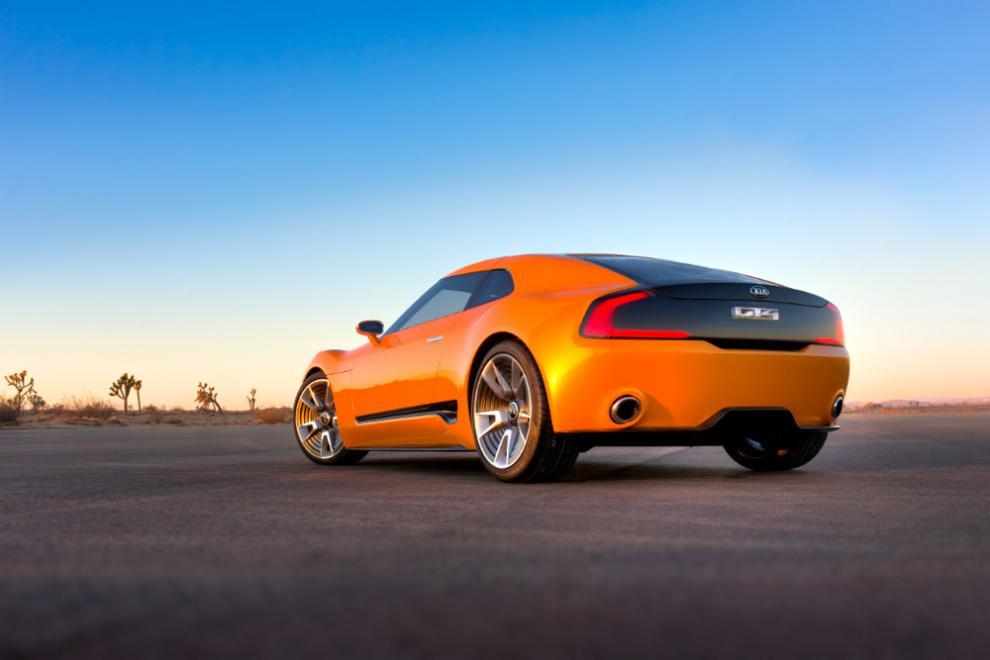 Kia GT4 Stinger 2014 – 14 bilder