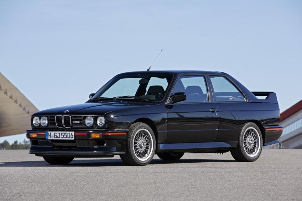 Homologisteringsbilen och urfadern. Första generationen av M3 skördade mängder med framgångar på racerbanorna och fick snabbt ikonstatus.