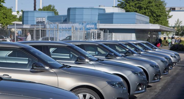 200 bilbyggare får sluta på Saab