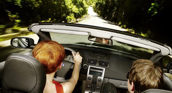 Säkrare bilar gör förare mer osäkra