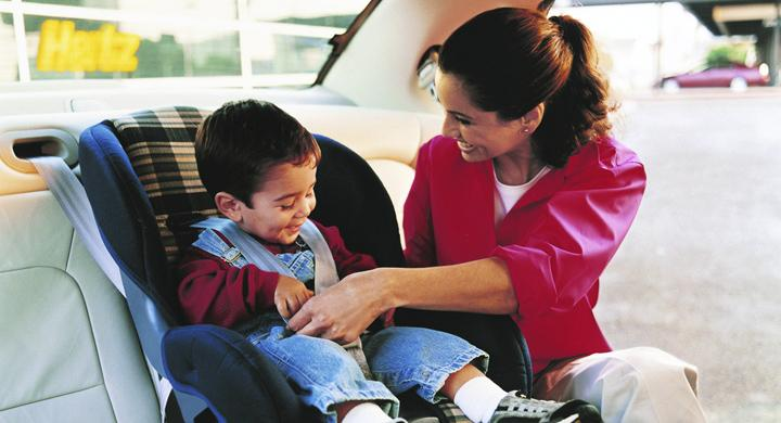 Många barn felvända i bilbarnstolen