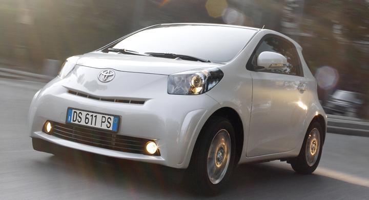 Eldriven Toyota iQ lanseras 2012