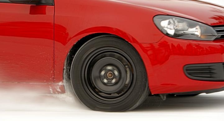 Bilar utan dubbdäck bärgas oftare