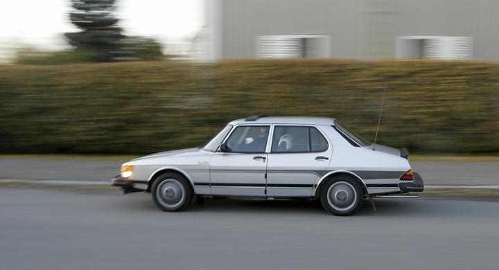Bilfrågan: Vad är det som smäller?