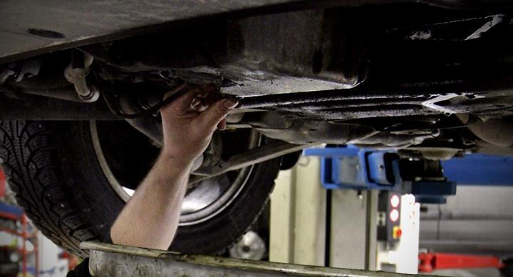 Spara tusenlappar på bilservicen