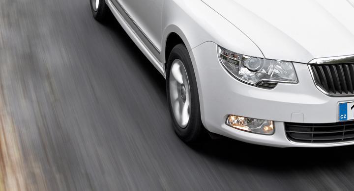 Bilfrågan: Tillåtna varselljus under dagtid?