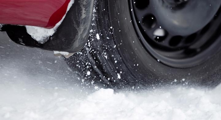 Bilfrågan: Ny asfalt istället för dubbförbud?