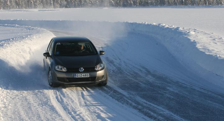 Dunlop satsar nordiskt med IceSport