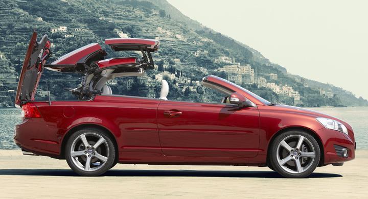 Volvo köper tillbaka cabrioletfabrik
