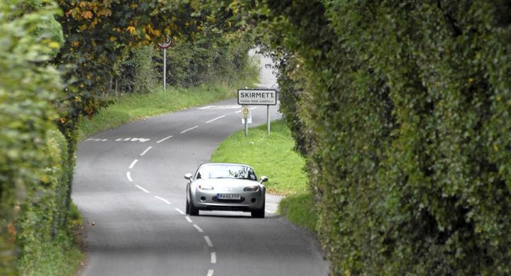 Resa med bil genom Midsomer