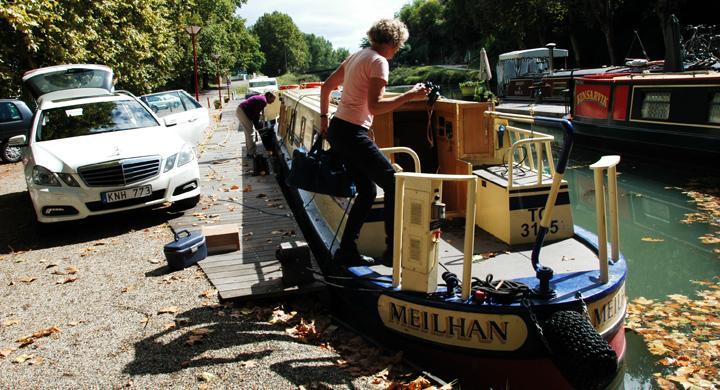 Resa med husbåt på fransk kanal