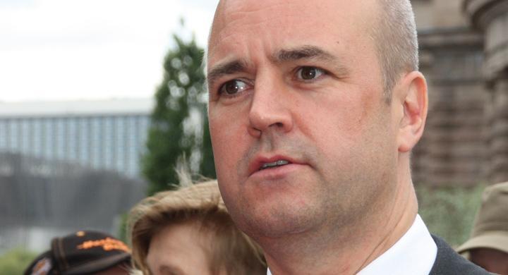 Hård Saabkritik mot Reinfeldt