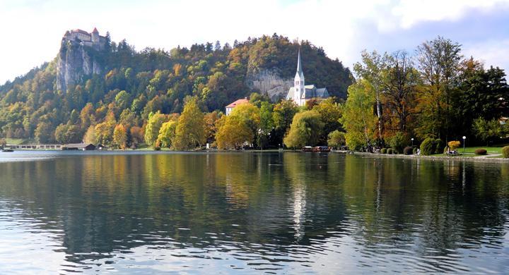 Turista i idylliska Slovenien