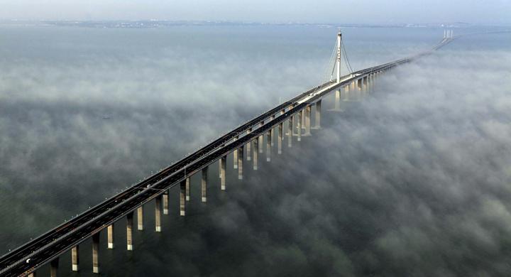 Kina inviger längsta bron över vatten