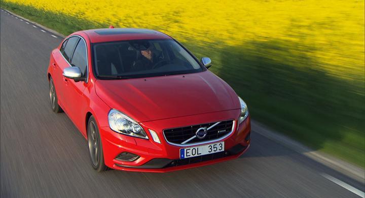 Volvo bygger lång S60 för Kina