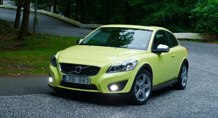 Volvo testar kamouflerad V30