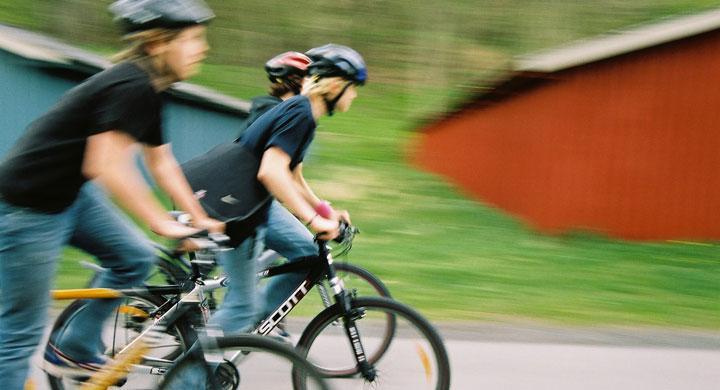 6 av 10 cyklister struntar i rödljus