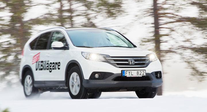 Vintertest: Honda CR-V skrider fram på isen