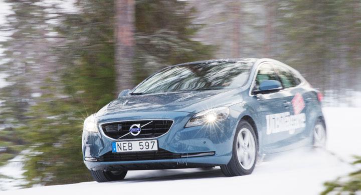 Vintertest: Bara att gasa och styra Volvo V40