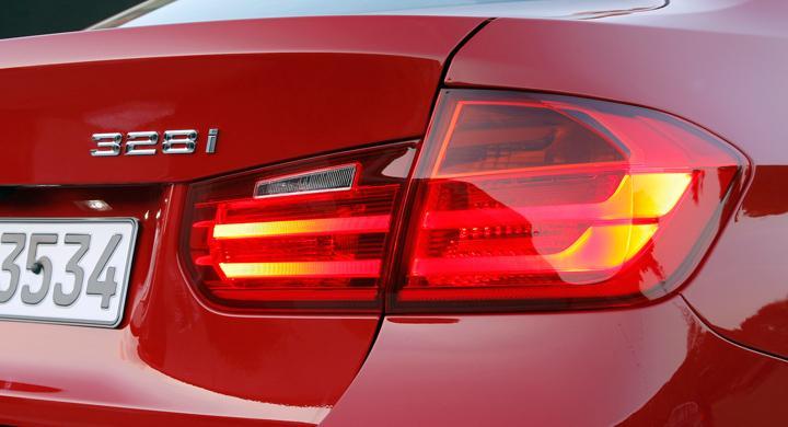 Bilfrågan: Lagligt lyse?