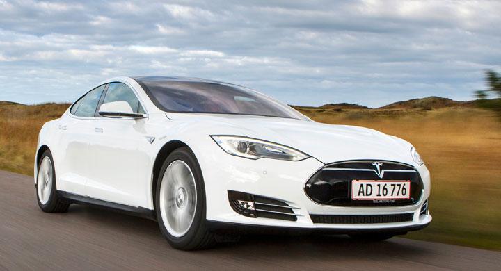 Provkörning: Tesla Model S (2013)