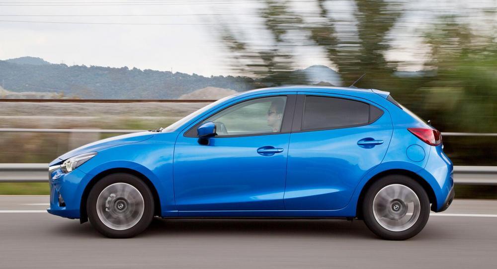 Mazda2 kommer till Sverige 2015.