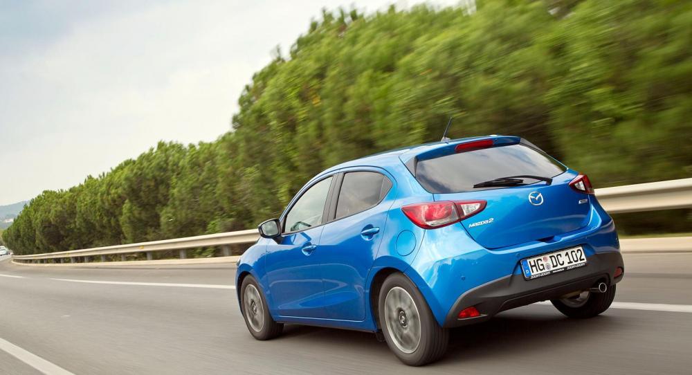 Underrede med bättre aerodynamik minskar bromsande luftvirvlar baktill.