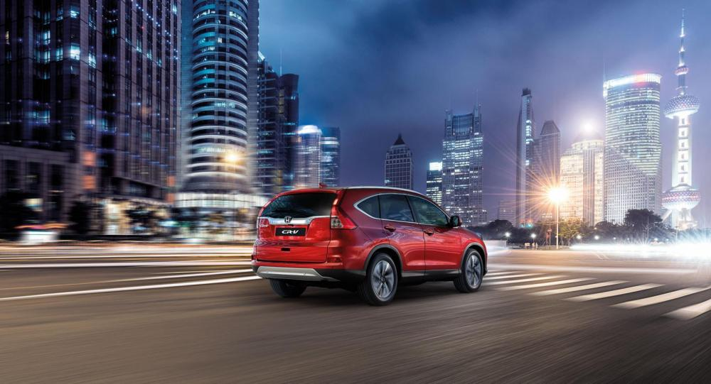Bakljusen uppdateras milt på Honda CR-V till våren 2015.