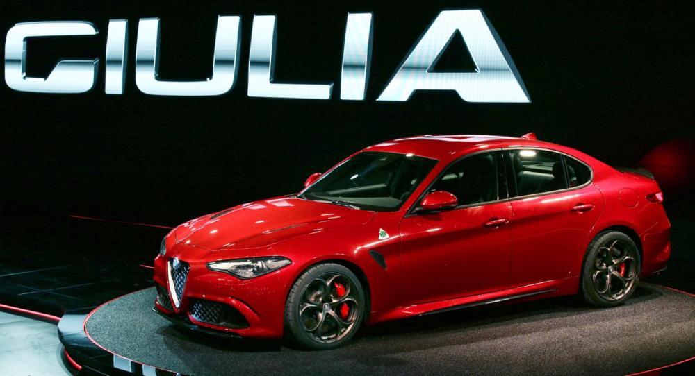 Alfa Romeo Giulia avtäcktes ikväll i Milano, Italien.