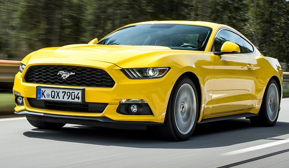 Nya Mustang har sålts i USA i knappt ett år. I Europa får den hårdare fjädring.
