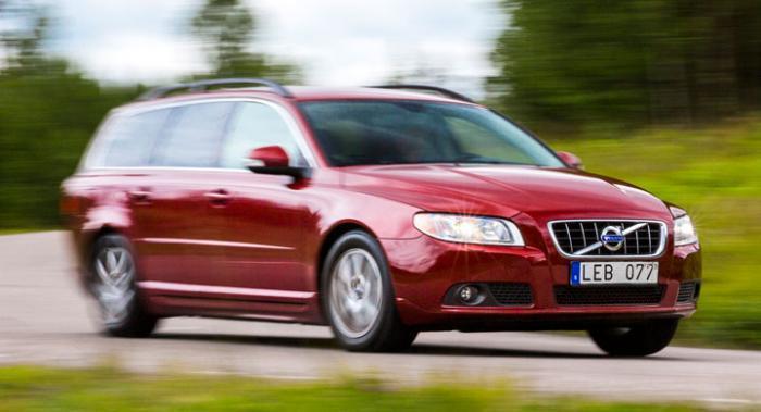 Volvo V70 regerar fortfarande.
