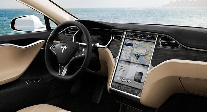Interiör i en Tesla Model S.