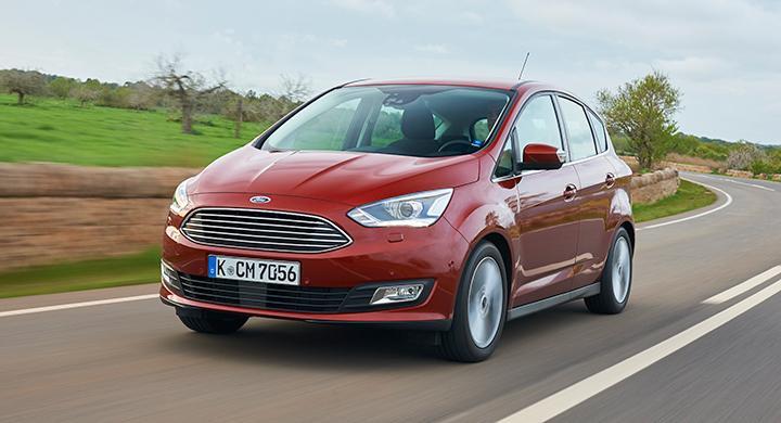 Frågeställaren är orolig över om 17-tumshjul gör färden bullrig och stötig på Ford C-Max.
