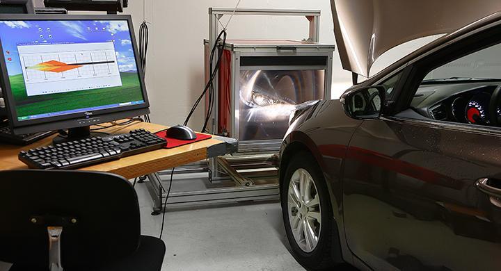I Vi Bilägares ljustest mäts endast ljusstyrkan på stillastående bilar.